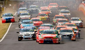 V8 Supercars - Bathurst 1000: Warm Up And Race